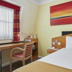 Отель Holiday Inn Express London Victoria удобства в номере