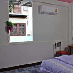 Отель Home Base Hostel - Adults Only Таиланд, Бангкок - отзывы, цены и фото номеров - забронировать отель Home Base Hostel - Adults Only онлайн балкон