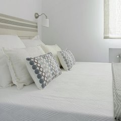 Отель The Best Location!!. 8pax. 3BD & 2bth. Reina Sofia II Испания, Мадрид - отзывы, цены и фото номеров - забронировать отель The Best Location!!. 8pax. 3BD & 2bth. Reina Sofia II онлайн комната для гостей