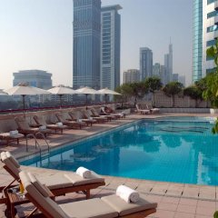 Апартаменты Crowne Plaza Dubai Apartments Дубай бассейн фото 2
