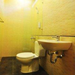 Отель Alia Home Sanur Индонезия, Бали - отзывы, цены и фото номеров - забронировать отель Alia Home Sanur онлайн ванная фото 2