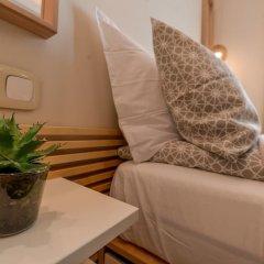 Отель FM Luxury 1-BDR Apartment - Sofia Dream Desert Болгария, София - отзывы, цены и фото номеров - забронировать отель FM Luxury 1-BDR Apartment - Sofia Dream Desert онлайн комната для гостей фото 5