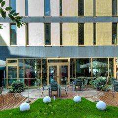Отель Axel Hotel Berlin Германия, Берлин - 7 отзывов об отеле, цены и фото номеров - забронировать отель Axel Hotel Berlin онлайн бассейн фото 2