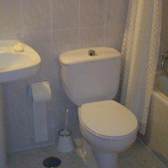 Отель Hostal Esmeralda ванная