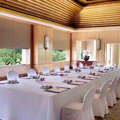 Отель The Ritz-Carlton, Millenia Singapore фото 2