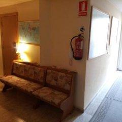 Отель Hostal Sant Sadurní интерьер отеля