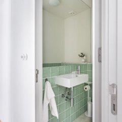 Отель Downtown Bliss I Apartment Altido Португалия, Лиссабон - отзывы, цены и фото номеров - забронировать отель Downtown Bliss I Apartment Altido онлайн ванная