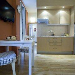 Отель Apartamentos Duque De Alba Мадрид в номере фото 2