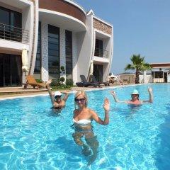 Отель Han De Homes бассейн
