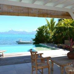 Отель Villa Maere Villa 1 Французская Полинезия, Пунаауиа - отзывы, цены и фото номеров - забронировать отель Villa Maere Villa 1 онлайн бассейн