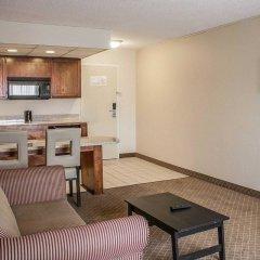 Отель Comfort Inn North Conference Center в номере
