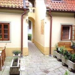 Отель Romantic near Charles Bridge - 1 Br Apts Прага фото 22