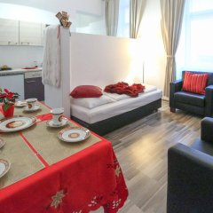 Апартаменты Queens Apartments Вена комната для гостей фото 4