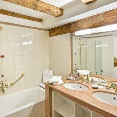 Отель Altstadt Radisson Blu Австрия, Зальцбург - 1 отзыв об отеле, цены и фото номеров - забронировать отель Altstadt Radisson Blu онлайн ванная фото 2