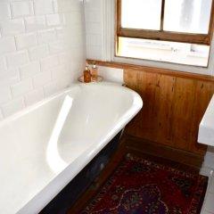 Отель 4 Bedroom House Near Seven Dials ванная