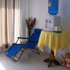Отель Charm Guest House - Hostel Филиппины, Пуэрто-Принцеса - отзывы, цены и фото номеров - забронировать отель Charm Guest House - Hostel онлайн удобства в номере фото 2