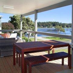 Отель Holiday Haven Burrill Lake Австралия, Сассекс-Инлет - отзывы, цены и фото номеров - забронировать отель Holiday Haven Burrill Lake онлайн балкон