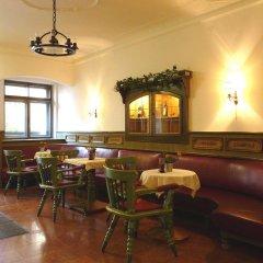 Отель Schwarzes Rossl Зальцбург гостиничный бар
