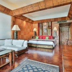 Отель Mom Tri S Villa Royale пляж Ката комната для гостей