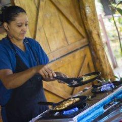 Отель Cañon de la Vieja Lodge Коста-Рика, Sardinal - отзывы, цены и фото номеров - забронировать отель Cañon de la Vieja Lodge онлайн интерьер отеля фото 3