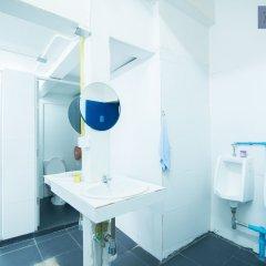 Zee Thai Hostel Бангкок ванная