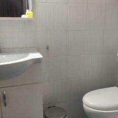 Отель Ambrosia Suites & Aparts Греция, Афины - 2 отзыва об отеле, цены и фото номеров - забронировать отель Ambrosia Suites & Aparts онлайн ванная