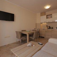 Апартаменты Luxury Apartment in Anastasia Palace в номере