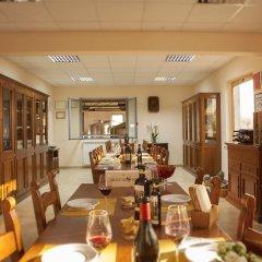Отель Elegant Farmhouse in Campriano With Swimming Pool Ареццо фото 18
