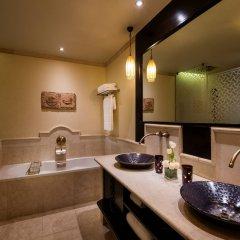 Отель Sharq Village & Spa ванная фото 2