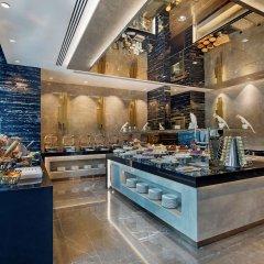 DoubleTree by Hilton Hotel Istanbul - Piyalepasa Турция, Стамбул - 3 отзыва об отеле, цены и фото номеров - забронировать отель DoubleTree by Hilton Hotel Istanbul - Piyalepasa онлайн питание фото 2