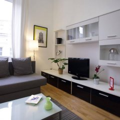 Апартаменты Brussels City Centre Apartments комната для гостей