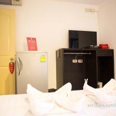 Отель Zen Rooms Basic Phra Athit Бангкок удобства в номере