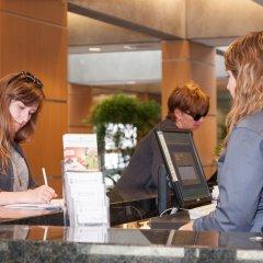 Отель West Coast Suites at UBC Канада, Аптаун - отзывы, цены и фото номеров - забронировать отель West Coast Suites at UBC онлайн гостиничный бар