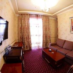 Отель Голден Пэлэс Резорт енд Спа Армения, Цахкадзор - 1 отзыв об отеле, цены и фото номеров - забронировать отель Голден Пэлэс Резорт енд Спа онлайн комната для гостей фото 4