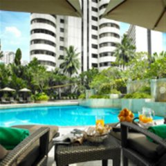 Отель Shangri-La Hotel Kuala Lumpur Малайзия, Куала-Лумпур - 1 отзыв об отеле, цены и фото номеров - забронировать отель Shangri-La Hotel Kuala Lumpur онлайн бассейн фото 3