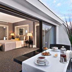 Отель Mercure Istanbul Bomonti балкон