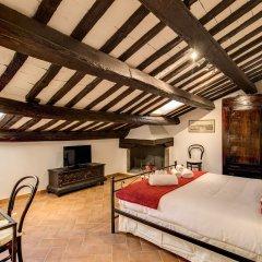 Отель Piccolo Trevi Suites комната для гостей