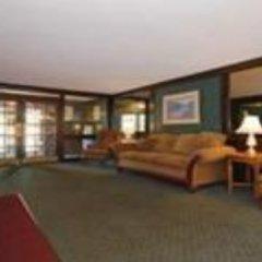 Отель Quality Inn & Suites North Колумбус комната для гостей