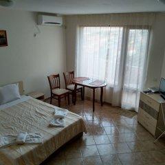 Отель Sunny Sands Studios Болгария, Бургас - отзывы, цены и фото номеров - забронировать отель Sunny Sands Studios онлайн комната для гостей фото 4