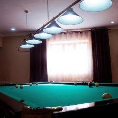 Отель Akmaral Кыргызстан, Каракол - отзывы, цены и фото номеров - забронировать отель Akmaral онлайн гостиничный бар