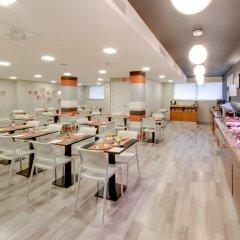 Отель Monte Carmelo Испания, Севилья - отзывы, цены и фото номеров - забронировать отель Monte Carmelo онлайн питание фото 3