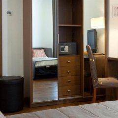 Hotel Plaza сейф в номере