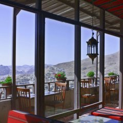 Отель Rocky Mountain Hotel Иордания, Вади-Муса - отзывы, цены и фото номеров - забронировать отель Rocky Mountain Hotel онлайн балкон