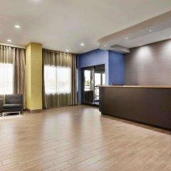 Отель Travelodge by Wyndham Toronto East фитнесс-зал фото 2