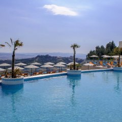 Отель Select Hill Resort Албания, Тирана - отзывы, цены и фото номеров - забронировать отель Select Hill Resort онлайн бассейн фото 2