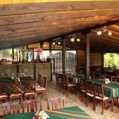 Отель Family Hotel Enica Болгария, Тетевен - отзывы, цены и фото номеров - забронировать отель Family Hotel Enica онлайн бассейн