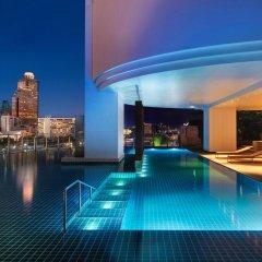 Отель Millennium Hilton Bangkok бассейн