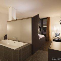 Отель The Weinmeister Berlin-Mitte Германия, Берлин - 1 отзыв об отеле, цены и фото номеров - забронировать отель The Weinmeister Berlin-Mitte онлайн ванная