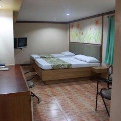 Отель Pinoy Pamilya Hotel Филиппины, Пасай - отзывы, цены и фото номеров - забронировать отель Pinoy Pamilya Hotel онлайн сейф в номере
