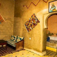 Отель Auberge Les Roches Марокко, Мерзуга - отзывы, цены и фото номеров - забронировать отель Auberge Les Roches онлайн интерьер отеля